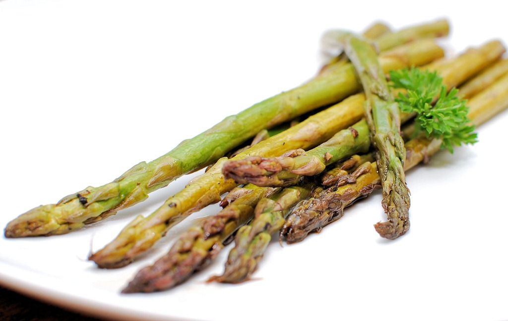 FOFF Baked Asparagus with Balsamic (Butter) Sauce