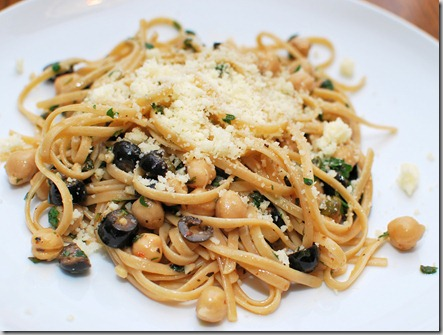 Rustic Linguine with Herbs and Chick Peast1