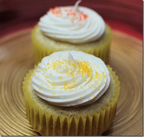 Vanilla Bean Cupcakes4