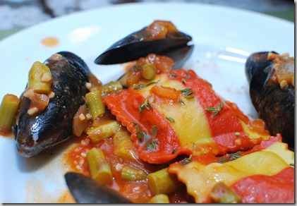 Avocado Bread and Mussels with wine4
