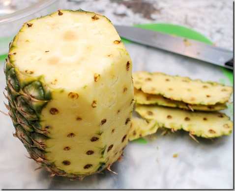How to cut Pineapple and Quadratini wafer cookies8